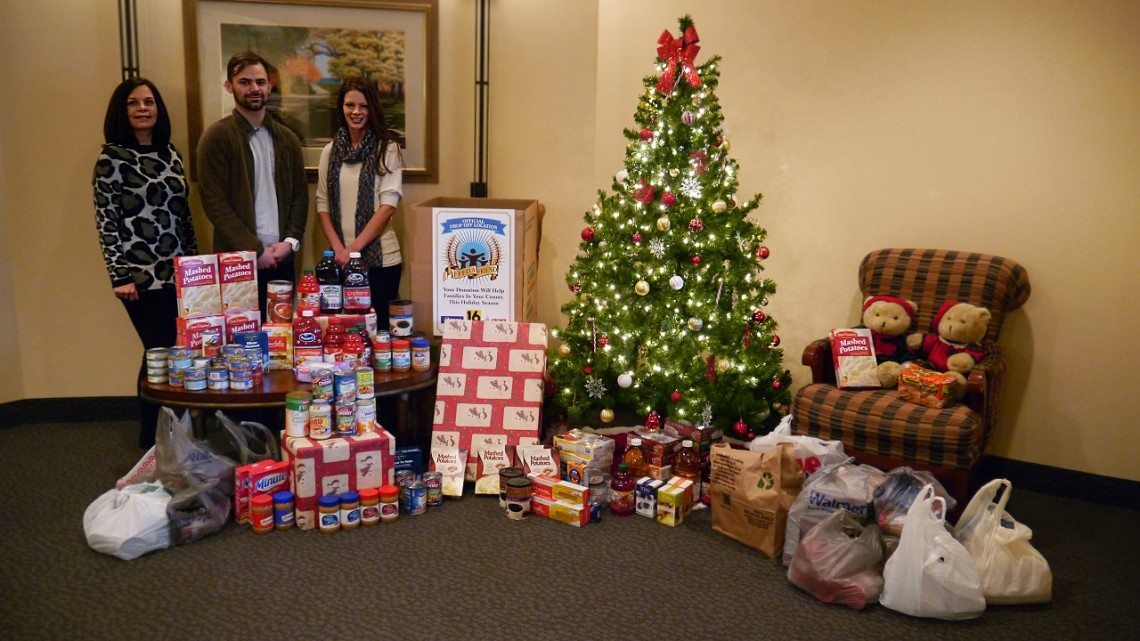 sundance-vacations-charities-weinberg-food-bank-2015-holiday-food-drive-reviews-resize